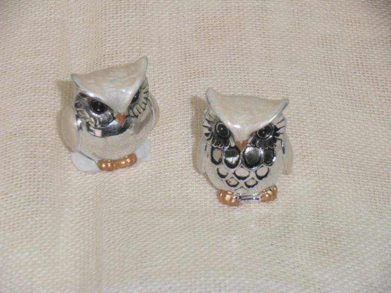 P7141182 Bomboniera per  Laurea….Gufo resina  2 soggetti  assortiti  cm 3.5  euro 3.00